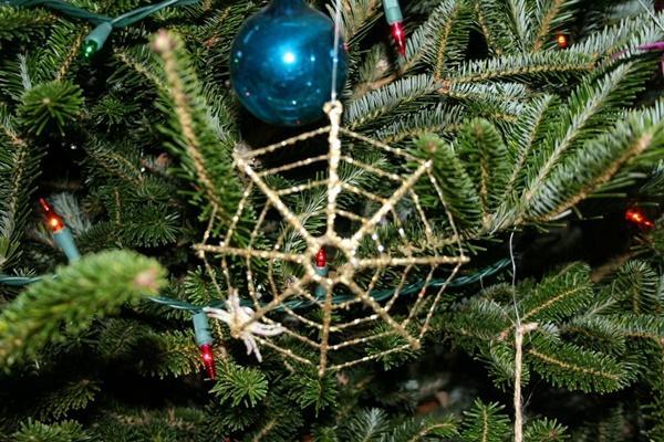 Giấu chổi và những phong tục đón Giáng sinh kỳ lạ-5