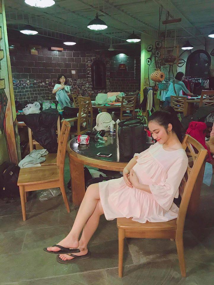 Lộ ảnh Hòa Minzy bụng bầu, chứng cớ dân mạng đưa ra càng có thêm cơ sở nữ ca sĩ đã sinh con-2