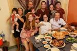 Bảo Ngọc đón sinh nhật bên đại gia đình, dân mạng thắc mắc sự vắng mặt của Hoài Lâm