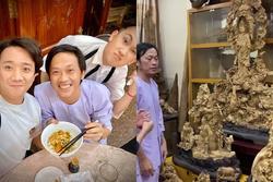 Hoài Linh ở tuổi 50 - giàu có, giản dị và chẳng giống ai