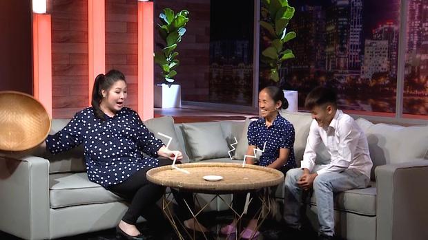Gọi NSND Hồng Vân là cháu, bà Tân Vlog chữa ngượng ngay trên truyền hình khi biết mình kém tuổi-1