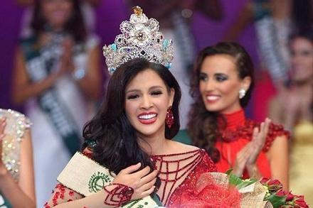 SHOCK: Hoa hậu Trái đất 2014 chấp nhận mất vương miện để tham dự Hoa hậu Hoàn vũ 2020