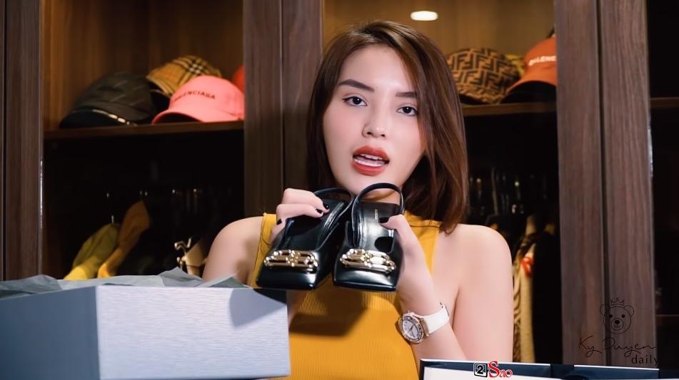 Kỳ Duyên đu theo trend đập hộp với những món hàng hiệu đắt giá sắm tại Hàn Quốc-3