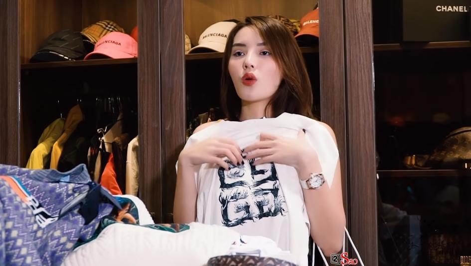 Kỳ Duyên đu theo trend đập hộp với những món hàng hiệu đắt giá sắm tại Hàn Quốc-12