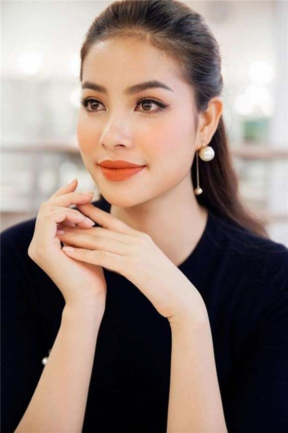 Đếm số lần Hoa hậu Phạm Hương sượng chín mặt vì bị bóc phốt trình tiếng Anh non nớt-2