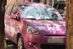 Cô giáo NEU 'chơi lớn' với ô tô màu hồng đầy hình Hello Kitty, bên trong tràn ngập gấu bông: Hóa ra tất cả đều vì con gái!