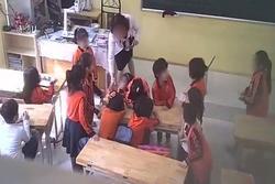 Vụ cô giáo ở Thủ đô nghi đánh, giật tóc, xé vở, đạp vào bụng học sinh: Nhà trường gấp rút mời phụ huynh