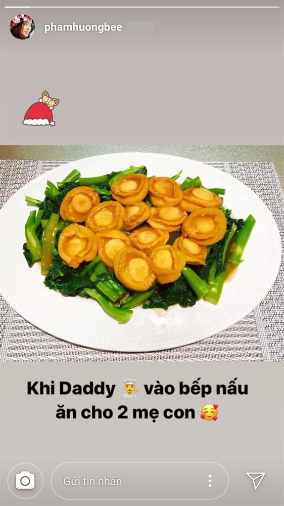 Thị phi bủa vây sau khi công khai con trai, Phạm Hương vẫn vui vẻ khoe điều ngọt ngào hôn phu dành tặng-2