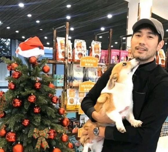 Ấm lòng trước hình ảnh hôn thê cùng gia đình 2 bên đón Noel đầu tiên xa Cao Dĩ Tường-2