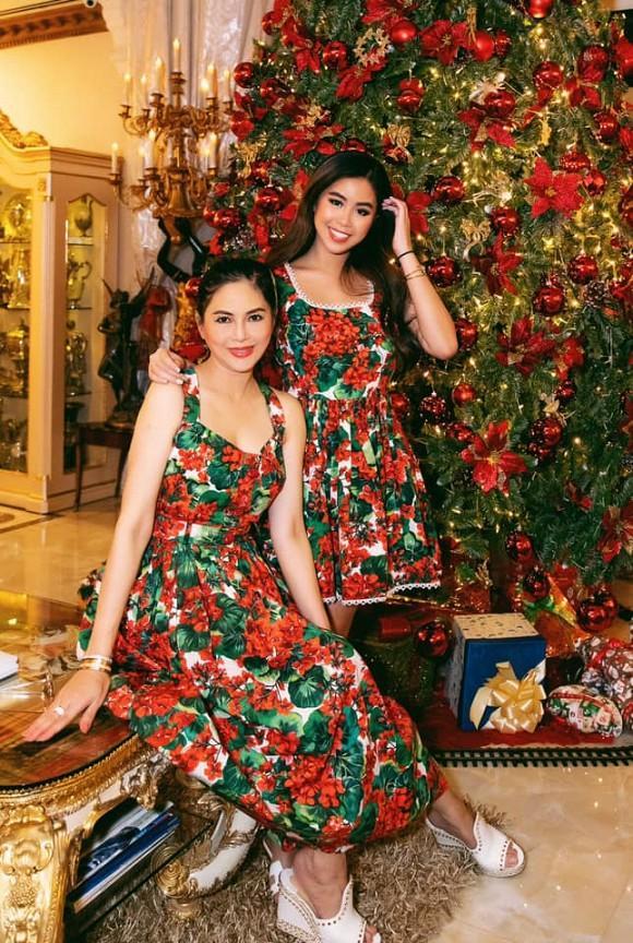 Mẹ và em chồng Tăng Thanh Hà diện đồ gần 100 triệu dịp Giáng Sinh-1