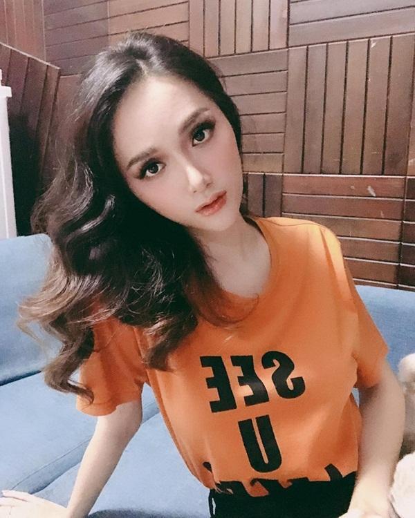 Giật mình với gương mặt biến đổi của Hương Giang sau 7 năm vào showbiz-5