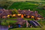 Bước vào ngôi làng Hobbit ở New Zealand
