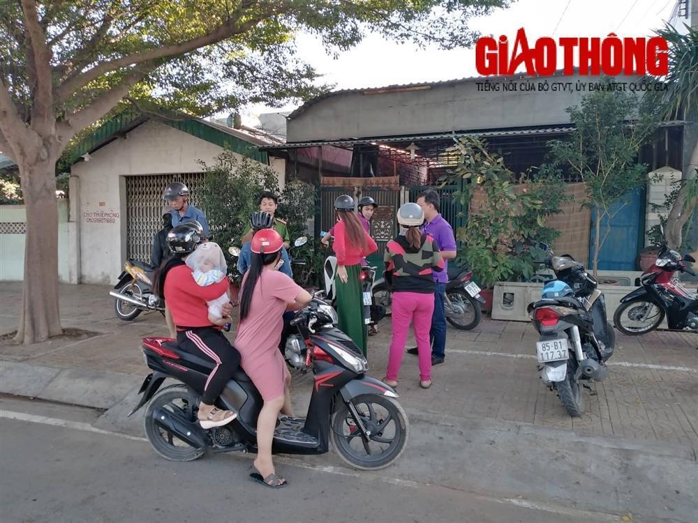 Phụ huynh vây cơ sở dạy kèm miệt thị, đánh dã man học sinh ở Ninh Thuận-1