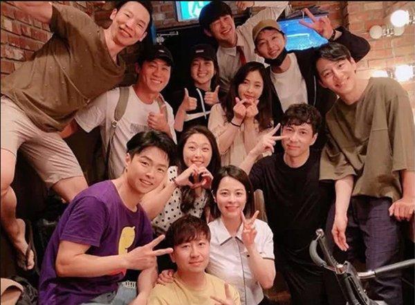 Sau khi ly hôn Song Hye Kyo, cuộc sống của Song Joong Ki vẫn rất được lòng người khác-4