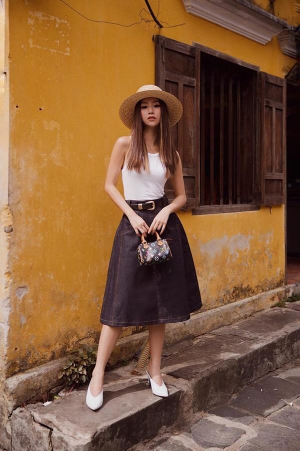 Những loại phụ kiện dẫn đầu xu hướng thời trang khiến sao Việt đua nhau sắm trong năm 2019-6