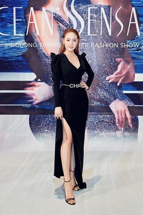Những loại phụ kiện dẫn đầu xu hướng thời trang khiến sao Việt đua nhau sắm trong năm 2019-16