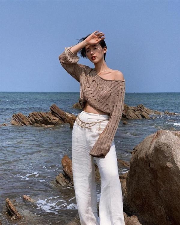 Những loại phụ kiện dẫn đầu xu hướng thời trang khiến sao Việt đua nhau sắm trong năm 2019-17