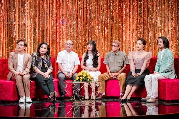Diễn viên Việt Trinh tiết lộ từng phải ký giấy cam kết không bệnh ngôi sao, đi đúng giờ khi quay Người đẹp Tây Đô-2