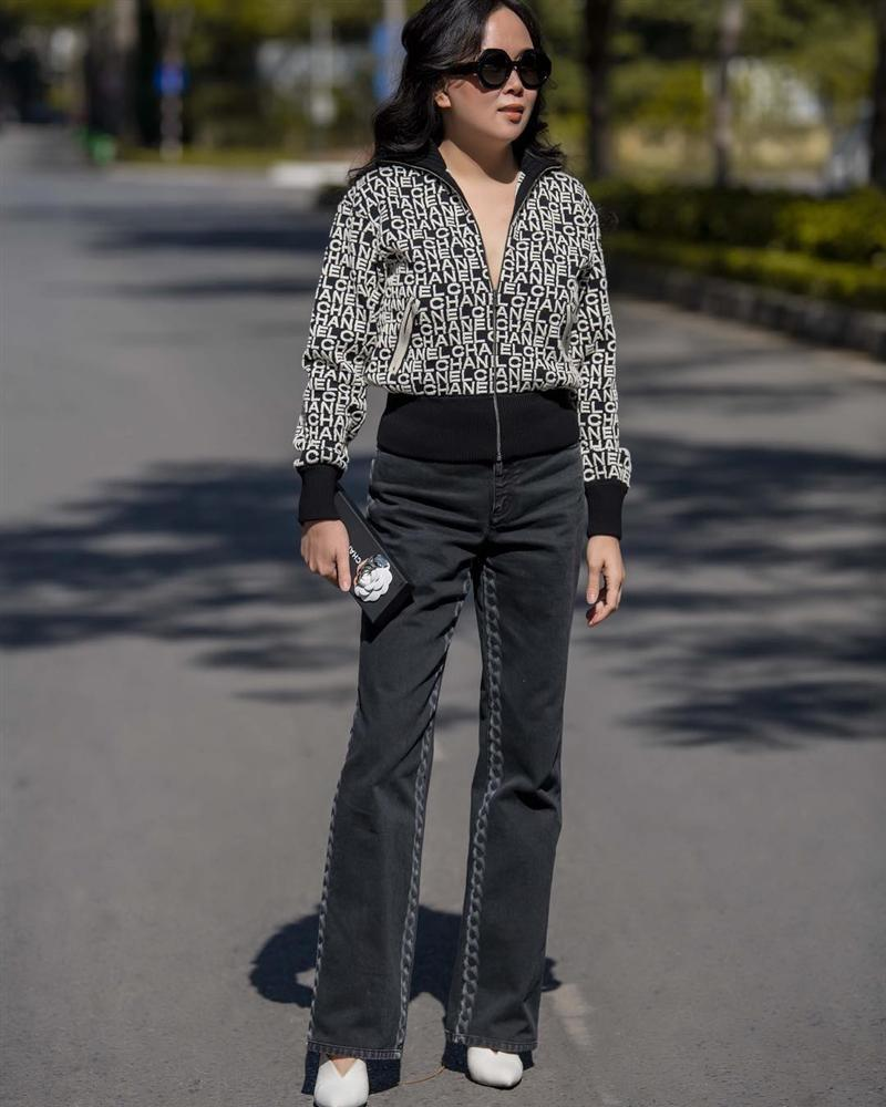 Chi Pu và Phượng Chanel đụng hàng áo khoác gần 100 triệu mà một trời, một vực-2