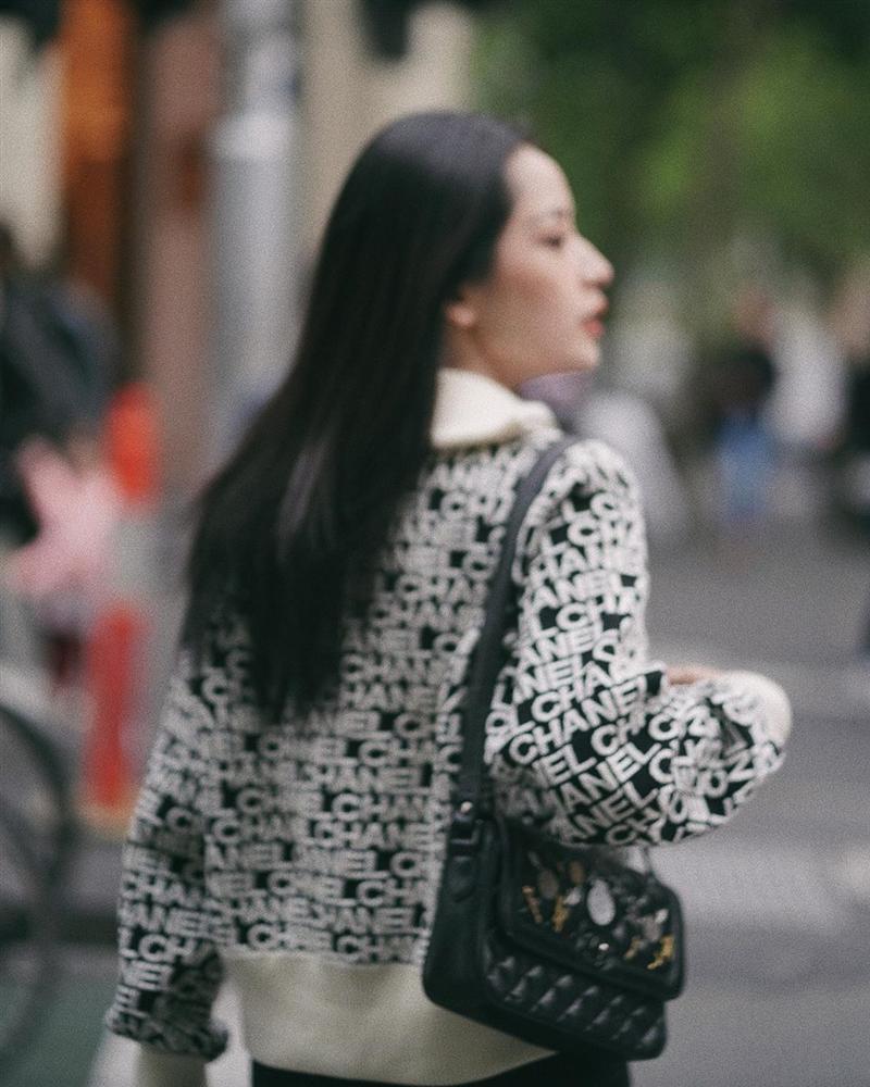 Chi Pu và Phượng Chanel đụng hàng áo khoác gần 100 triệu mà một trời, một vực-6
