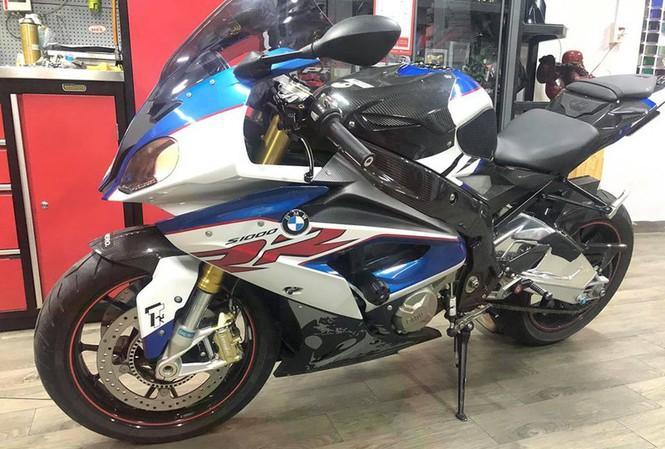 Nhận tin nhắn từ người lạ, chủ xe mô tô BMW S1000RR bị mất trộm giá hơn nửa tỷ đã tìm thấy xe ở Sài Gòn-1