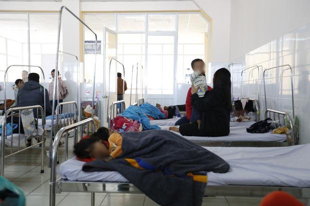 Ăn đồ từ thiện, gần 60 trẻ nhập viện cấp cứu-2