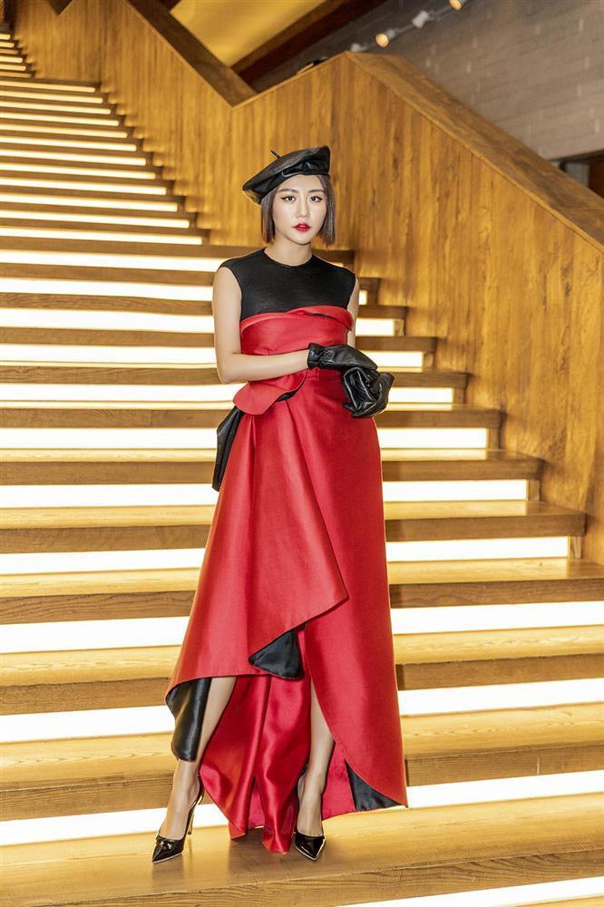 Lên đồ cực gắt khi dự sự kiện, street style của Văn Mai Hương lại trẻ trung nhờ cách mix đồ đáng gờm-1