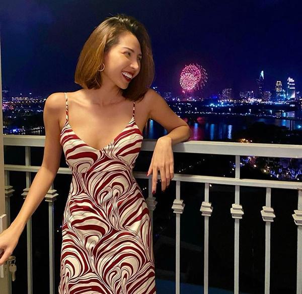 Sao Việt lên đồ đầu năm 2020: H'Hen Niê giản dị chân chất, Đỗ Mỹ Linh đầy ắp hàng hiệu-9