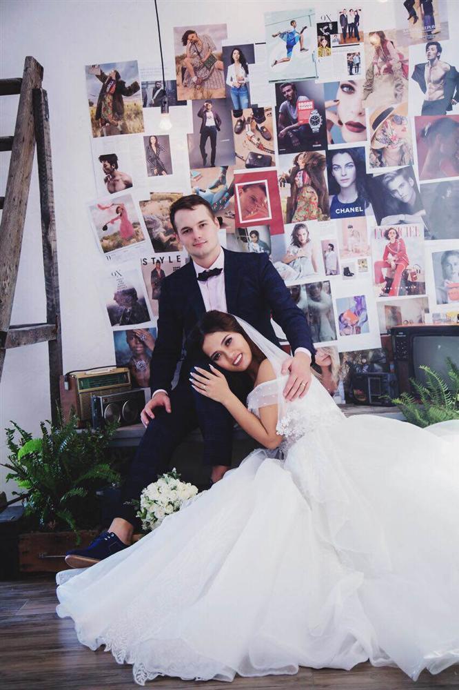 Cô gái Việt lấy giám đốc ngân hàng Nga, ngày kết hôn mẹ chồng cầm tay cảm ơn rối rít-6