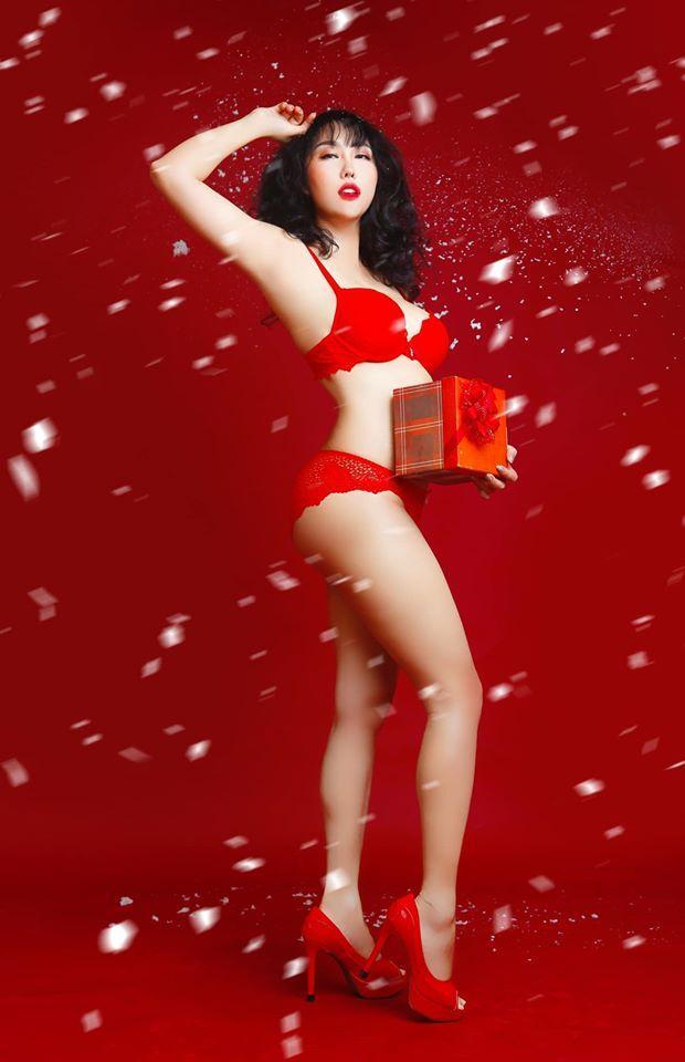 Phi Thanh Vân chào xuân bằng bộ ảnh nội y nóng bỏng nhưng rõ rành rành photoshop quá tay-4