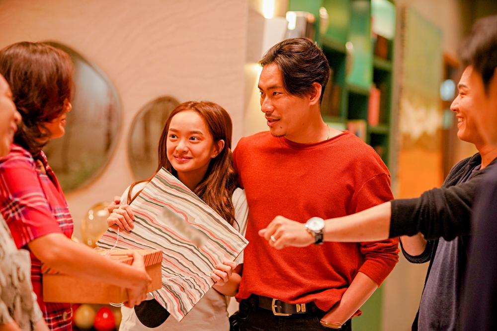 Phim hài đen đầu tiên của Việt Nam khai máy: Hứa Vĩ Văn sàm sỡ Thái Hòa, Kiều Minh Tuấn tình cảm Kaity Nguyễn-7