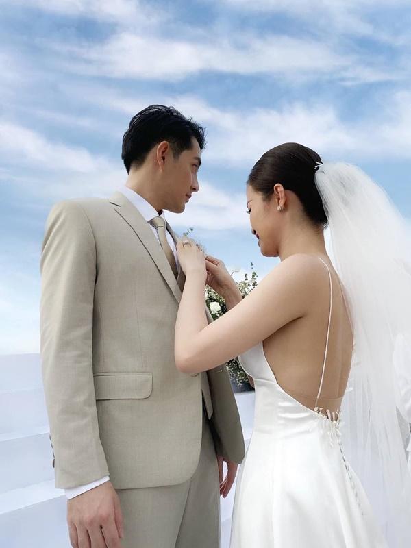 Không để ai động vào Ông Cao Thắng, Đông Nhi cứ tự tay make-up cho chồng thì tiền để đâu cho hết-10