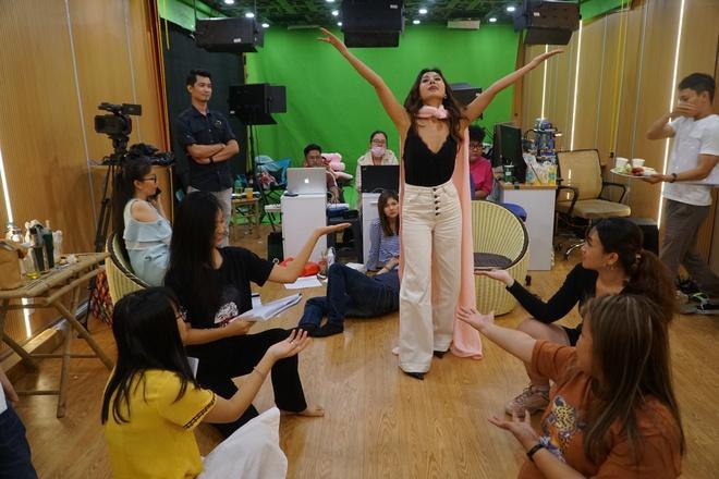 Hậu trường dàn nghệ sĩ miền Nam tập luyện Táo Xuân Canh Tý-1