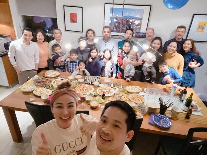 3 thế hệ gia đình Ngân Khánh đoàn tụ ở nước ngoài-3