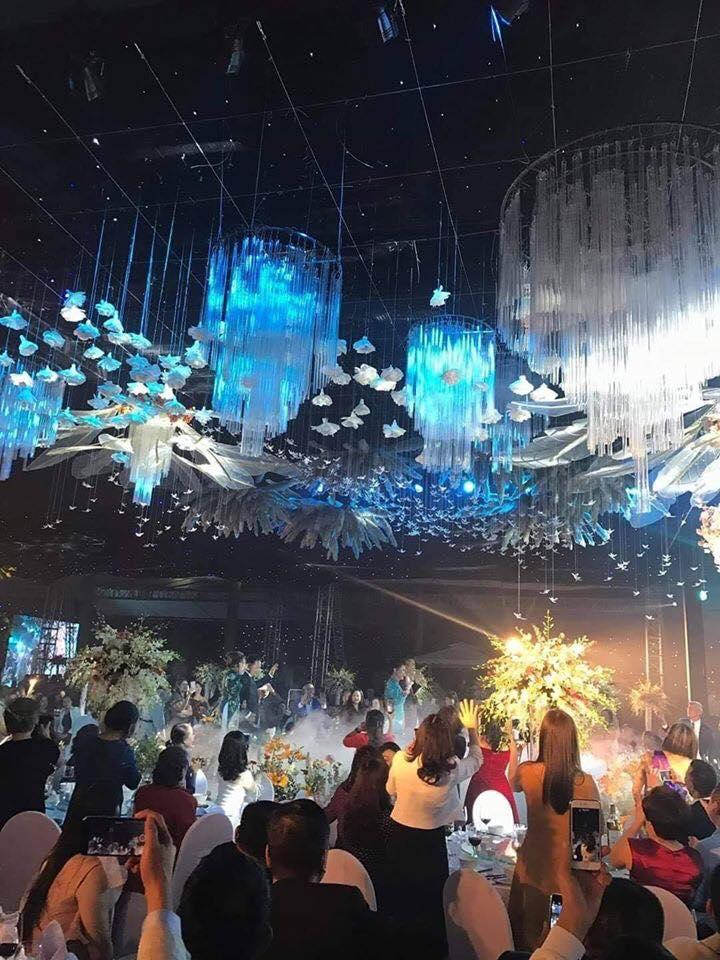 Hoa mắt đám cưới tiền tỷ ở Quảng Ninh: Trang trí rạp cưới 2,5 tỷ, cỗ ngót nghét 35 triệu/bàn-3