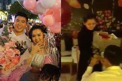 Bộ ba trung vệ tuyển Việt Nam cầu hôn, tỏ tình bạn gái lãng mạn