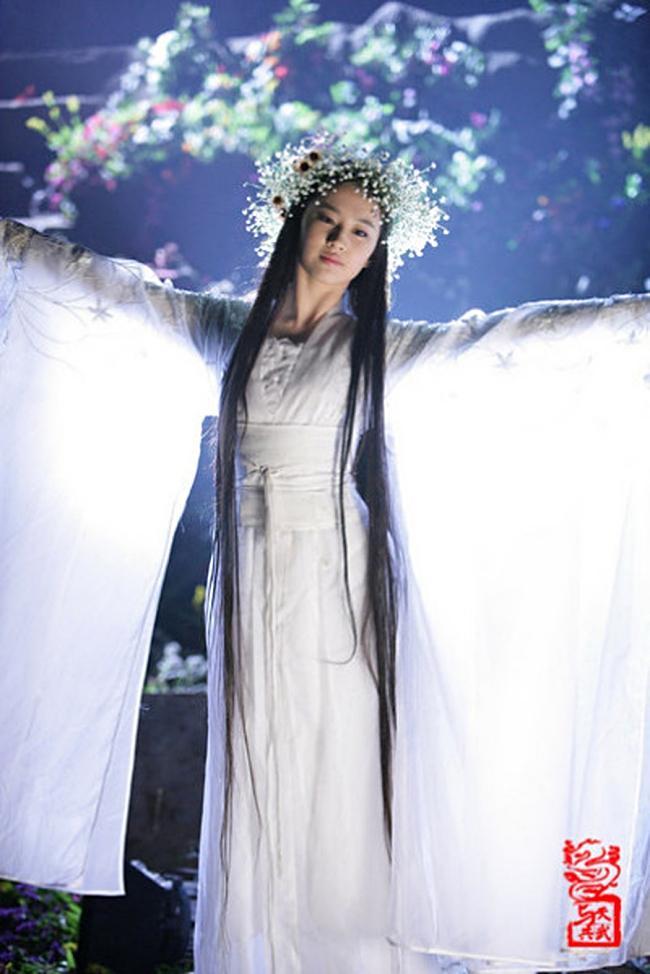 Lưu Diệc Phi, Dương Mịch, Cúc Tịnh Y, ai mới là nữ thần đồ trắng khiến bạn mê mẩn?-3