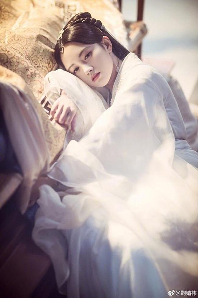 Lưu Diệc Phi, Dương Mịch, Cúc Tịnh Y, ai mới là nữ thần đồ trắng khiến bạn mê mẩn?-8