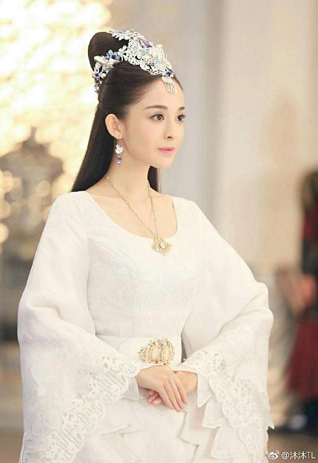 Lưu Diệc Phi, Dương Mịch, Cúc Tịnh Y, ai mới là nữ thần đồ trắng khiến bạn mê mẩn?-13