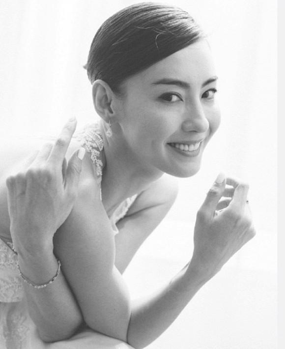 Trương Bá Chi lộ ảnh cưới đẹp nuột nà, chuẩn bị kết hôn với bạn trai là diễn viên nổi tiếng?-2