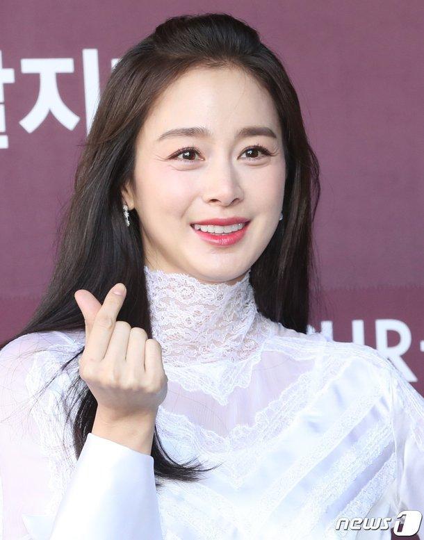 Sự trở lại của 5 nữ hoàng trong năm 2020: Kim Hee Sun đối đầu Kim Tae Hee và Park Min Young-1