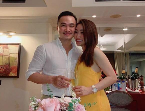 Diễn viên Chi Bảo lần đầu tiên đăng ảnh đưa người yêu đi ăn cùng con trai và vợ cũ-3