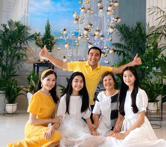 Dự đám cưới, 2 con gái Quyền Linh chiếm spotlight vì xinh hơn cả cô dâu-3