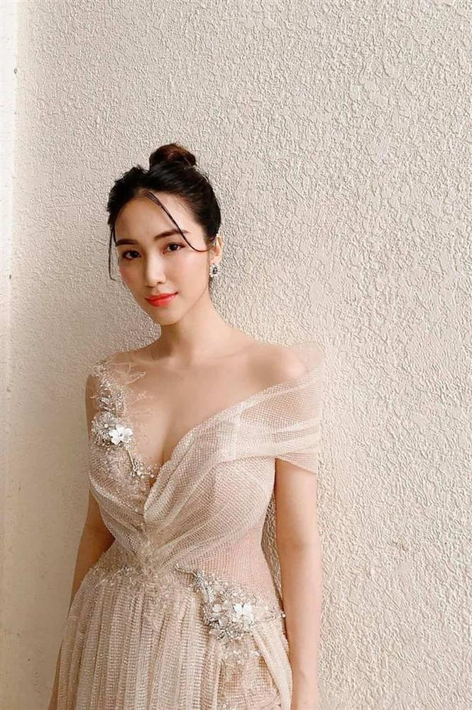 Tẩy trang không đúng cách, Hòa Minzy cuống cuồng cầu cứu cộng đồng mạng cách chữa đôi mắt sưng phồng-1