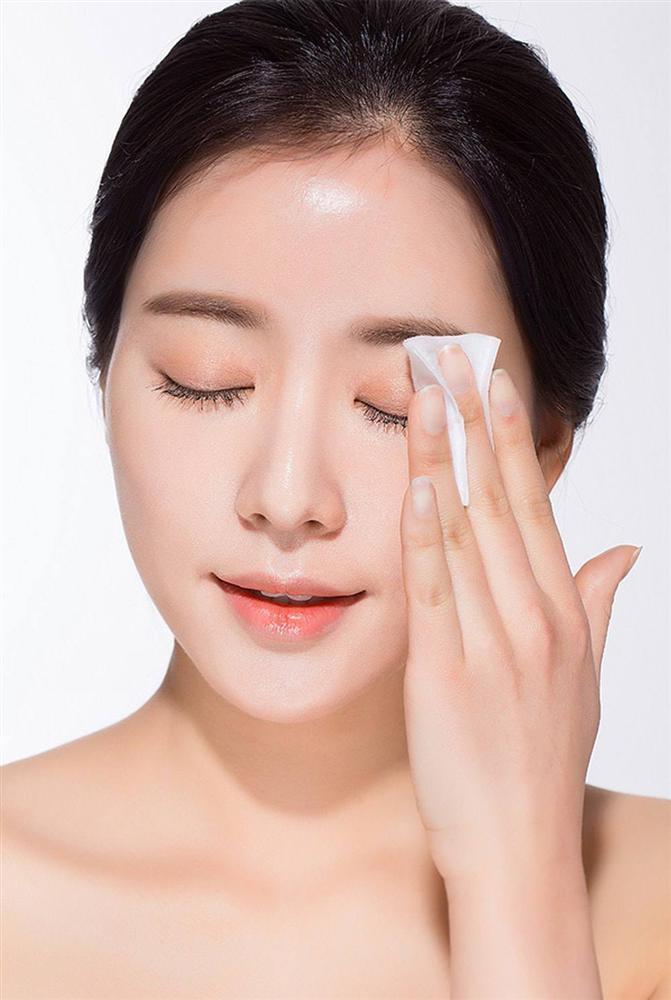 Tẩy trang không đúng cách, Hòa Minzy cuống cuồng cầu cứu cộng đồng mạng cách chữa đôi mắt sưng phồng-4