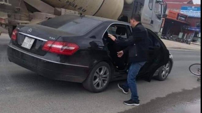 Cán bộ công an lái Mercedes gây tai nạn chết người-1