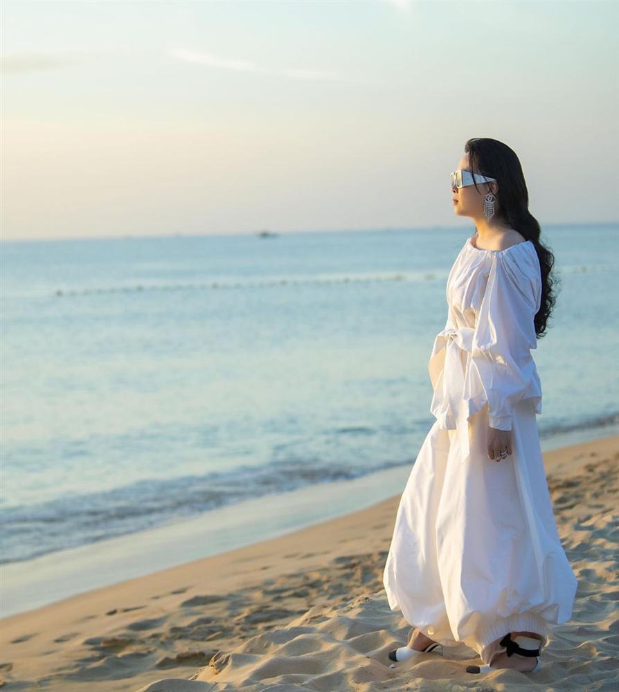 Phượng Chanel lại tự dìm hàng vì yêu thích trang phục lùng bùng như chú hề-2