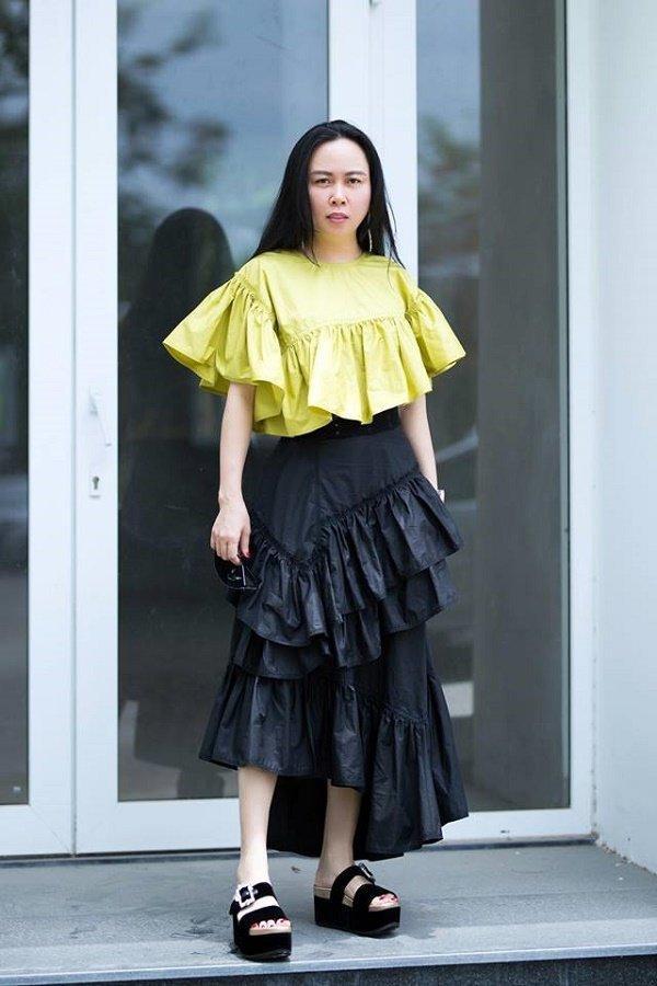 Phượng Chanel lại tự dìm hàng vì yêu thích trang phục lùng bùng như chú hề-10