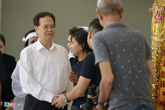 Nguyên Thủ tướng Nguyễn Tấn Dũng đến viếng nghệ sĩ Chánh Tín-1