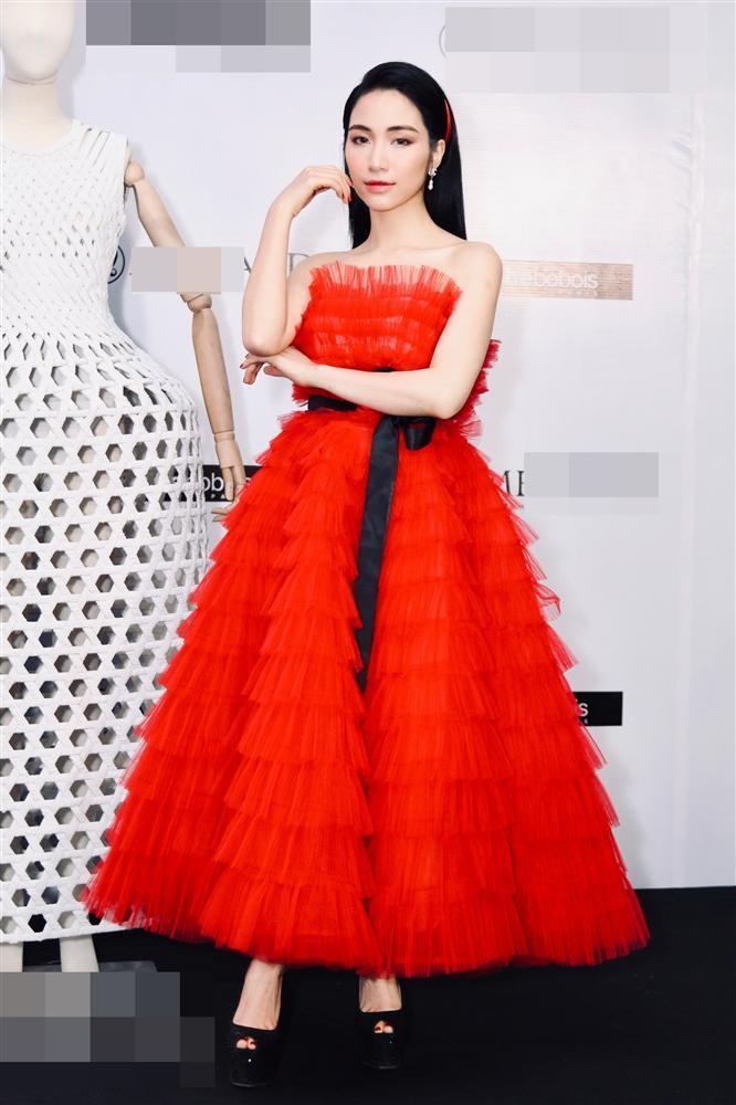 SAO MẶC XẤU: Amee hóa công chúa điệu đà bất thành - Phượng Chanel lên đồ thảm họa-5